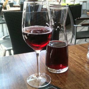 Johannisbeersaft im Weinglas! Prost!